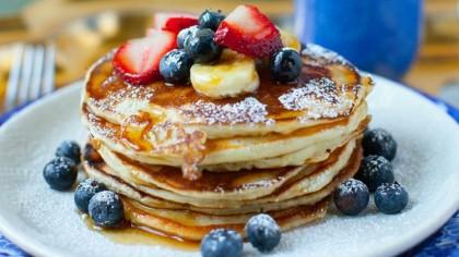 Cea mai bună rețetă pentru clătitele americane! Cum se prepară simplu delicioasele pancakes
