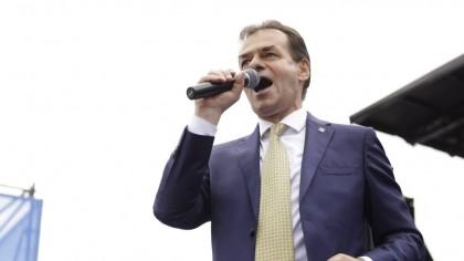I-a dat afară pe loc! Orban a făcut ravagii în jumătate de țară