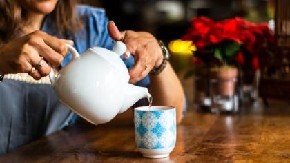 Ceaiul care ajută cel mai mult la slăbit și detoxifiere. Elimină toate toxinele de corp. Câte căni trebuie să bei zilnic și cum se prepară corect