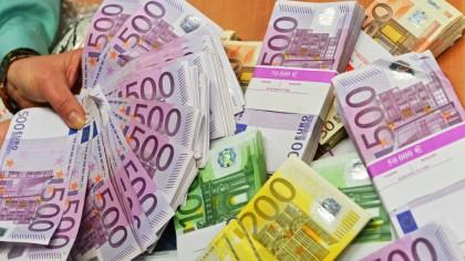Dispar acești bani! Decizie majoră luată de Comisia Europeană