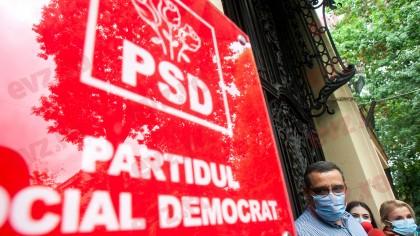 """Bomba detonată în curtea PSD: """"Trei miniștri, anchetați pentru corupție"""""""