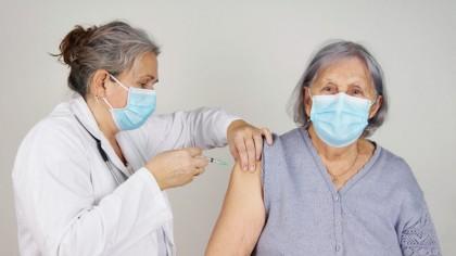 România primește un nou lot de vaccinuri Pfizer. Campania de vaccinare se accelerează