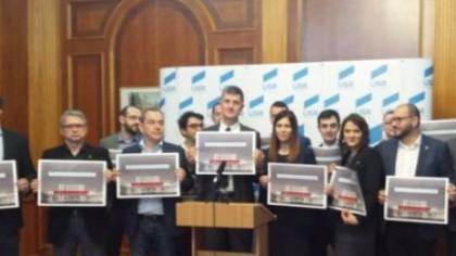 Bomba politică a toamnei! USR aplică manevra Băsescu. Cum vrea Barna să zdrobească PSD