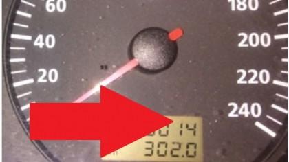 Mașină cu un kilometraj record. Care este SINGURA piesă înlocuită la aproape UN MILION de km parcurși?