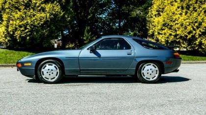Un Porsche din 1988 este de vânzare. La cât de bine a fost întreținut pare abia ieșit din fabrică