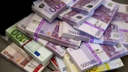 Se dau 500 de euro pe lună. Cine va primi banii de la Guvern