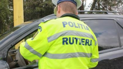 Acest șofer i-a lăsat MASCA pe polițiști. Ideea GENIALĂ pe care a avut-o pentru a scăpa de control - VIDEO