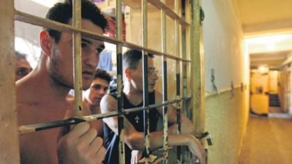 Deținuții cu această pedeapsă pot sta acasă + pușcărie de weekend. Ce vrea PNL-ista Alina Gorghiu