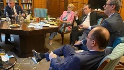 Cine a făcut poza cu Orban și miniștrii la băutură și țigări. Surpriză totală!