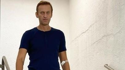 """O nouă imagine cu Navalnîi. Opozantul rus s-a dat jos din pat: """"Este un drum sigur, dar lung"""""""