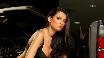 FOTO. Nicoleta Luciu, cel mai fierbinte pictorial! Imaginile tinereții într-o decapotabilă din piele