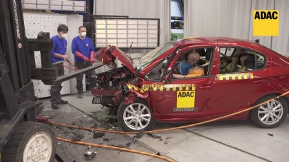 Fără airbaguri și fără ESP, această mașină chinezească este un adevărat sicriu pe roți. Se vinde legal în UE!