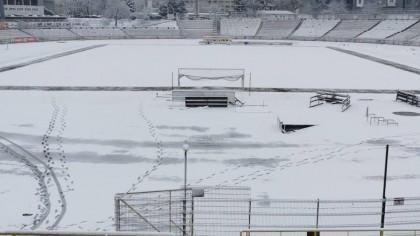 Dinamo cere ajutorul fanilor pentru a dezăpezi terenul: