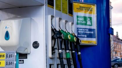 Prețurile benzinei și al motorinei au luat-o razna în ultimele zile. Ce se întâmplă și cât va dura această situație