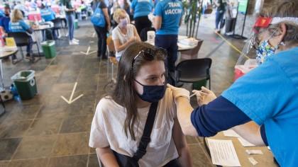 Începe vaccinarea fără programare la orice centru, indiferent de tipul vaccinului