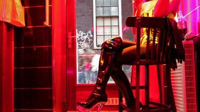 """Cartierul Roşu din Amsterdam, înlocuit cu un centru """"erotic"""". Planurile primăriei în privinţa prostituţiei şi a drogurilor"""