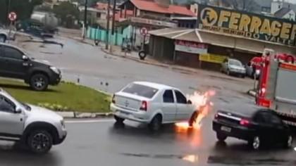 Ghinion sau noroc? Momentul în care un Logan ia foc chiar lângă mașina de pompieri