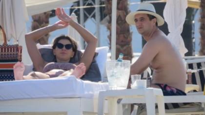 FOTO. Imagini de senzație cu nepotul favorit al lui Gigi Becali și iubita lui sexy, pe plajă! Lucian, un Nea Mărin miliardar modern