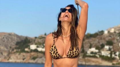 FOTO. Andreea Raicu, sumă exorbitantă pentru a poza în Playboy! Cum arată vedeta acum în costum de baie